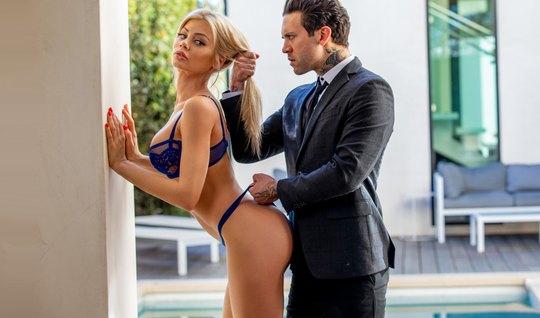 Премиум модель приехала на дикий страстный секс к суровому бизнесмену